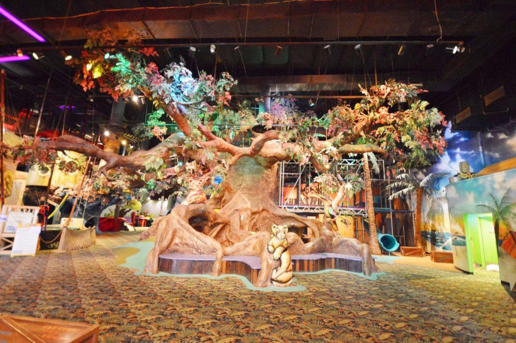 phoenix indoor makutus island